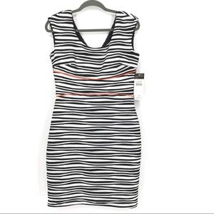 Donna Ricco New York sleeveless fitted dress
